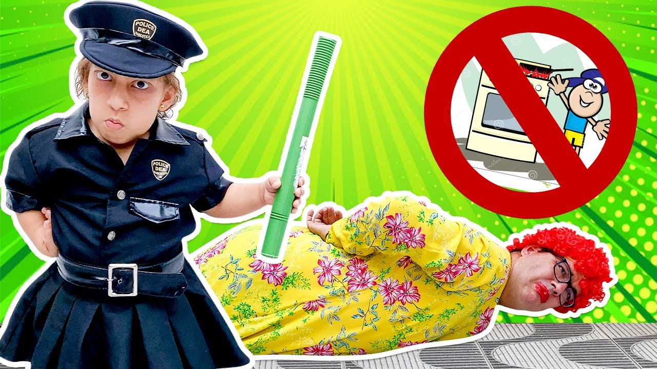 Maria Clara finge brincar de ser policial (New Collection Stories for Kids) - MC Divertida