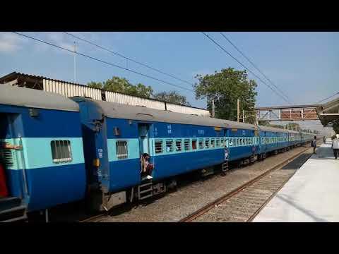 22953 |Gujarat Sf Express In Full Fire
