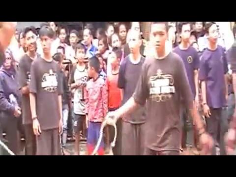 """Turonggo Lestari Budoyo"" (Traditional art Indonesia) live @Ciliwung II-Malang 1-5-2017"