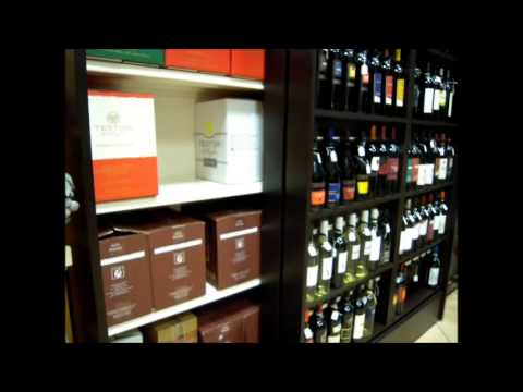 Mobile porta bottiglie ad ante scorrevoli 140304 youtube for Mobile porta bottiglie