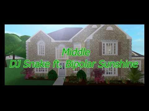 Middle - DJ Snake Feat. Bipolar Sunshine (ROBLOX Music Video) Love Story Part 2
