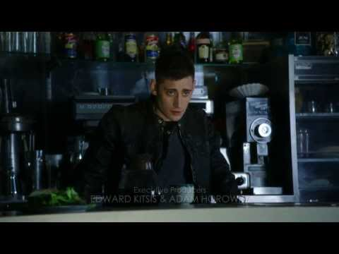 """ouat:-wonderland-(s01e01)-""""we're-not-late-for-something,-we're-late-for-someone"""""""