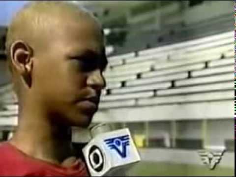Neymar Jr Dribbles Skills 2001 - YouTube