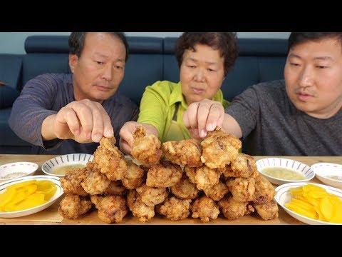 이번엔 가마솥에 직접 튀긴 [[닭다리(Fried drumsticks)]] 요리&먹방!! – Mukbang eating show