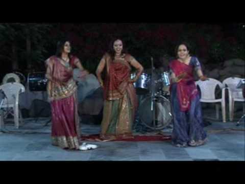 Amazing bollywood wedding dance -1 on Gunji aangna mein shehnai,Rab ne bana di jodi, Chalka Chalka