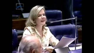 Gleisi e Requião são vaiados no Senado