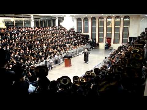 First Night Chanukah 5773 With Viznitzer Rebbe R' Mendel