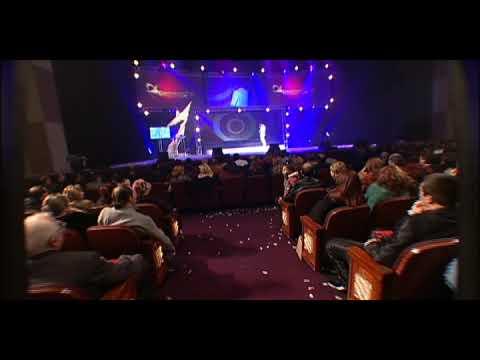 Ara Martirosyan Chi Ogni Live at KODAK Theater