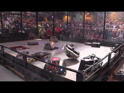 Robot Wars Gladiator fight - 18 robot free-for-all | Robochallenge 2015