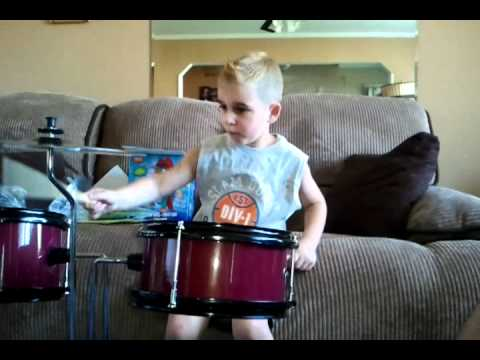 First act discovery drum set batterie review - YouTube