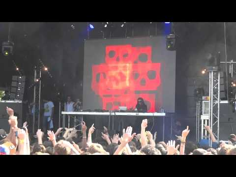 Skrillex_1 @ Inox Park Festival 2011