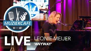 Leonie Meijer - 'Anyway' live bij Muziekcafé