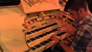 "Getting ""Dizzy Fingers"" on the Mighty Wurlitzer"