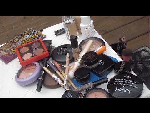 d7b14acde34aa  شنطة المكياج للسفر - Travel Makeup Bag - YouTube