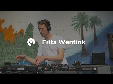 Frits Wentink @ Wax Hounds x Berlin Independent Record Market (BE-AT.TV)