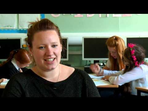 A gluasad gu foghlam tron Ghàidhlig / Transferring to teaching in Gaelic Education