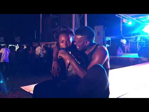 Updates: Salatiel performing Toi & Moi at the Kribi Trade Fare