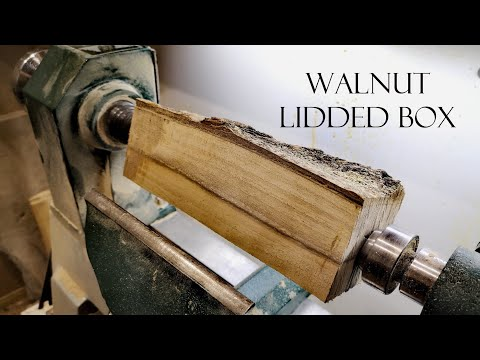 024 Woodturning - walnut lidded box