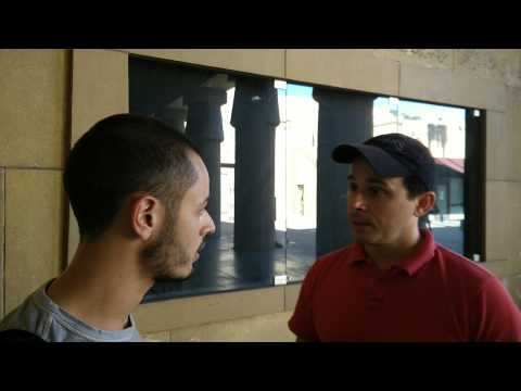Peppe D'Alessio interview a guide in Hollywood