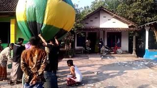 Balon terbesar di hari raya idul Fitri 2016 di desa Banar Lor …
