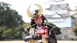 名古屋のPRのために現世に復活した「徳川家康」様に、 贈り物を渡してみ...