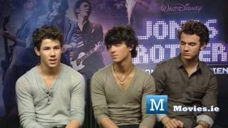 The JONAS Brothers talk purity rings & their Irish roots