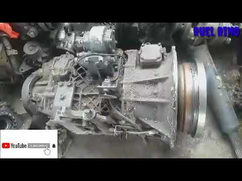 HOW TO FULL OUT & INSTALL A TORQUE CONVERTER.  Isuzu in taglog.