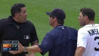 BAL@DET: Kinsler gets tossed after slamming bat