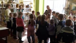 В детской библиотеке сегодня развернулась масштабная выставка ''Русский, русского не забудь''