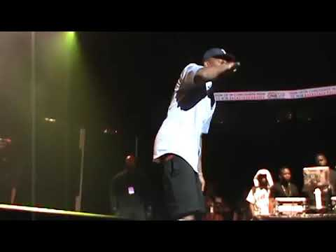 YG-4hunnid on the stage super burning #yg's dance watch this video, share, like and subscribe