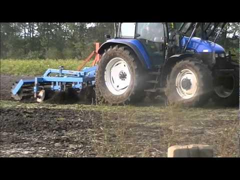 New Holland TS110 cultiveren