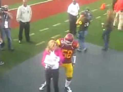 Rey Maualuga Dances With Erin Andrews - YouTube