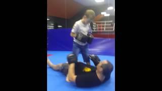 Рукопашный бой для детей,  удары и добивка