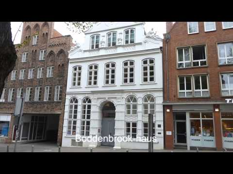 Walking tour in Luebeck old town