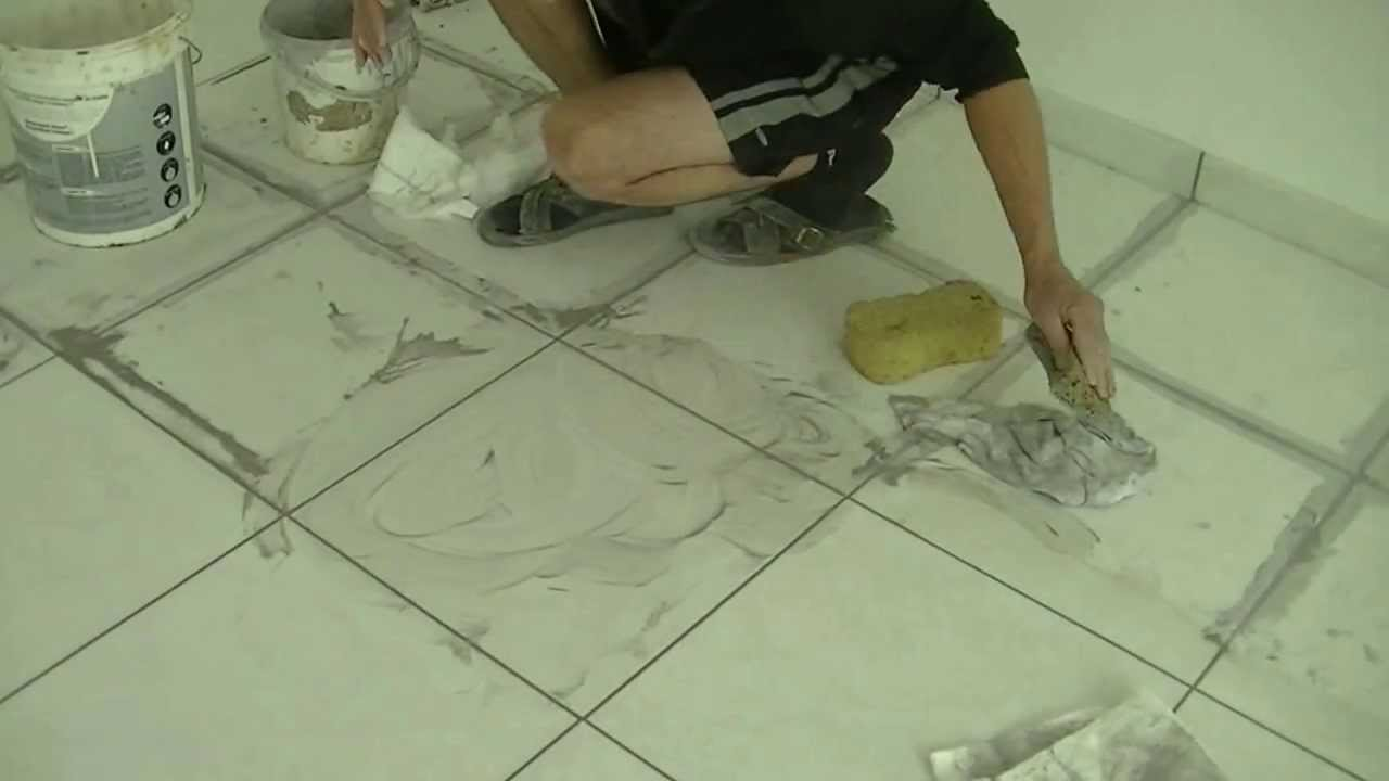 Carrelage et joint comment faire youtube for Blanchir les joints de carrelage