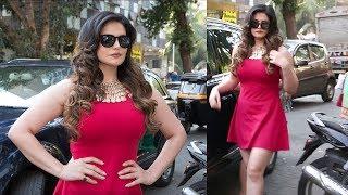 zareen khan hot in red dress at aksar 2 trailer launch