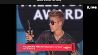 JUSTIN BIEBER WINS MILESTONE AWARD BILLBOARD MUSIC AWARDS 2013