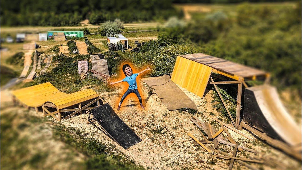 Il a construit un terrain pendant le confinement !