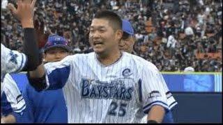 DeNA3-2巨人>◇22日◇横浜 DeNA筒香嘉智外野手(24)が延長12回、28号サヨナラ弾で試合を決めた。この日2発を含む...