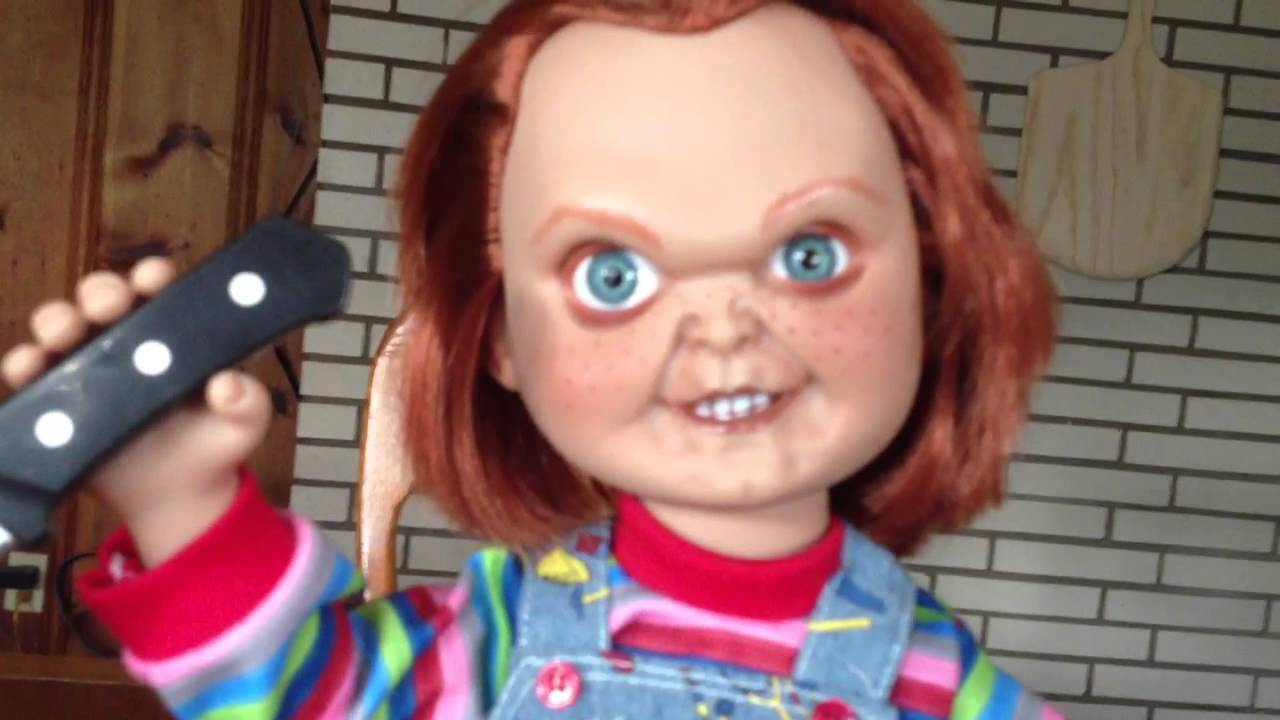 Mezco 15 Inch Mega Scale Talking Good Guy Chucky Review