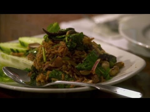 You Don't Do Pad Thai In This Thai Restaurant (Anthony Bourdain Parts Unknown)