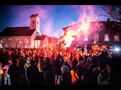 Iceland protests in front of Alþingi 04.04.2016