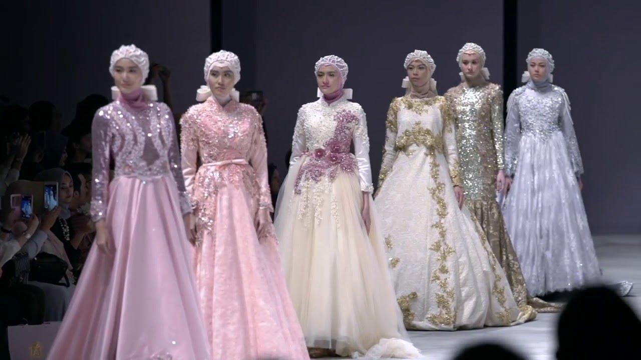 Anniesa Hasibuan at Indonesia Fashion Week 2016 Present ...