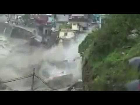 Kedarnath flood 2013 Live Video.