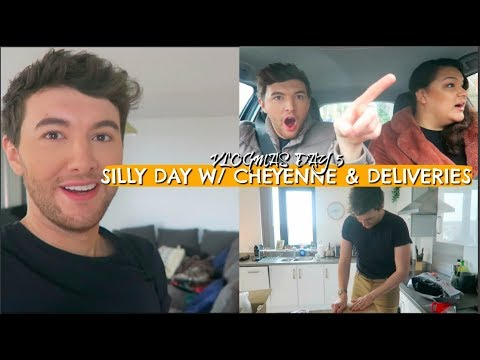 VLOGMAS DAY 5 (SILLY DAY W/ CHEYENNE & DELIVERIES)
