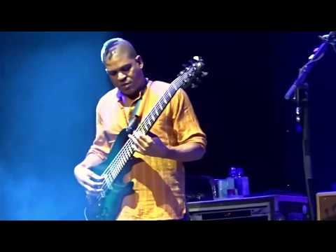 4 minute bass solo!! Oteil visits the O-Zone! Dead & Co 'Eyes of the World' 6/28/16 Hartford, CT