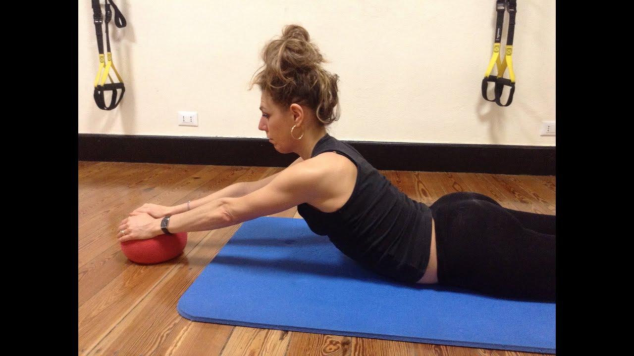 Favoloso Allenamento ed esercizi per rinforzare schiena e spalle - YouTube RW19