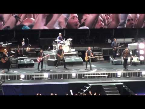 Bruce Springsteen - Born in the USA - Dancing in the Dark - Live in Barcelona, May 14, 2016