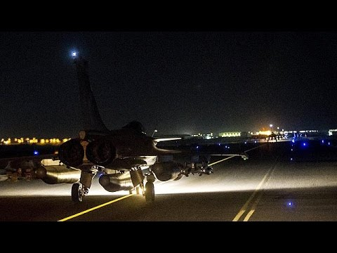 French jets bomb ISIL stronghold in Syria .