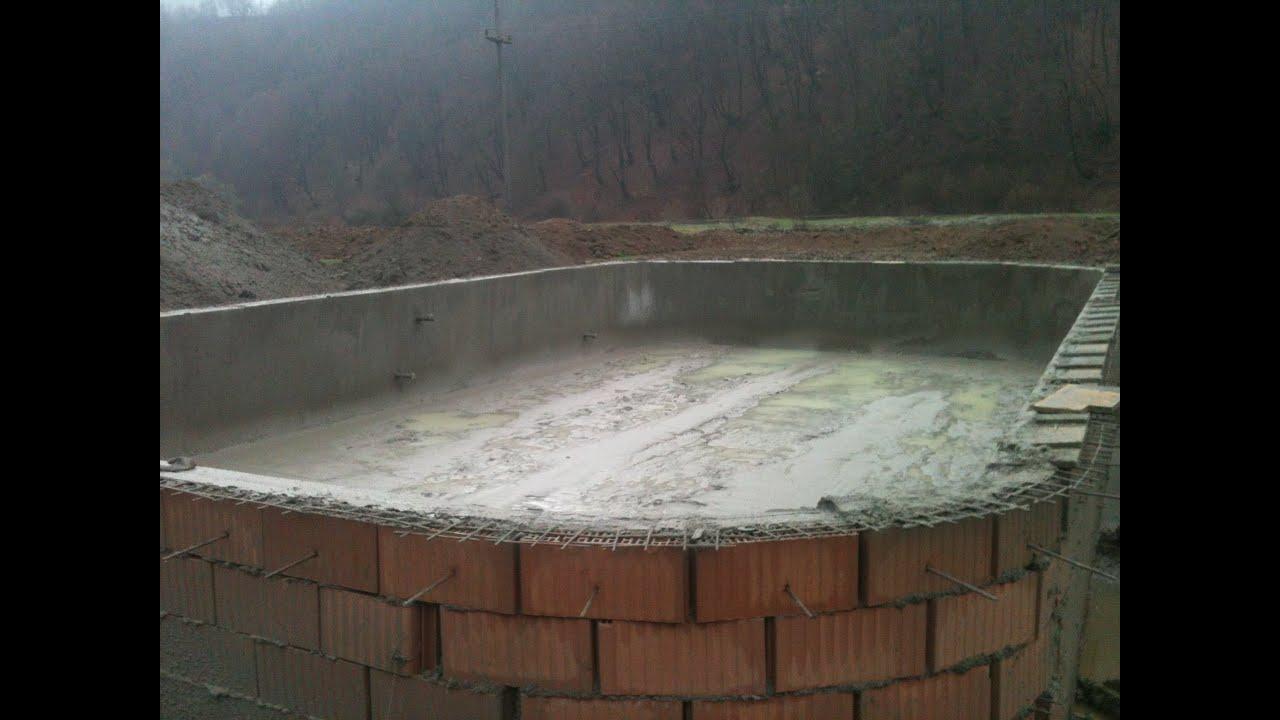 Torcretare piscina semiolimpica hunedoara for Piscine ieftine din fibra